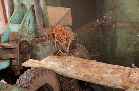 リングバーカー皮剥加工機
